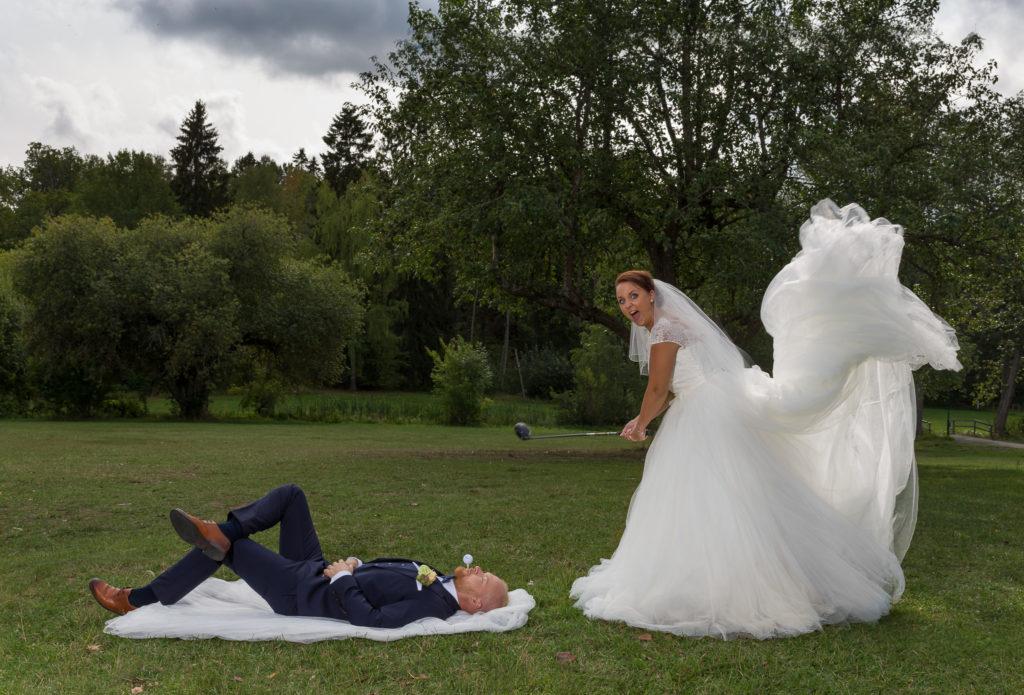 Bröllopsbild med golftema